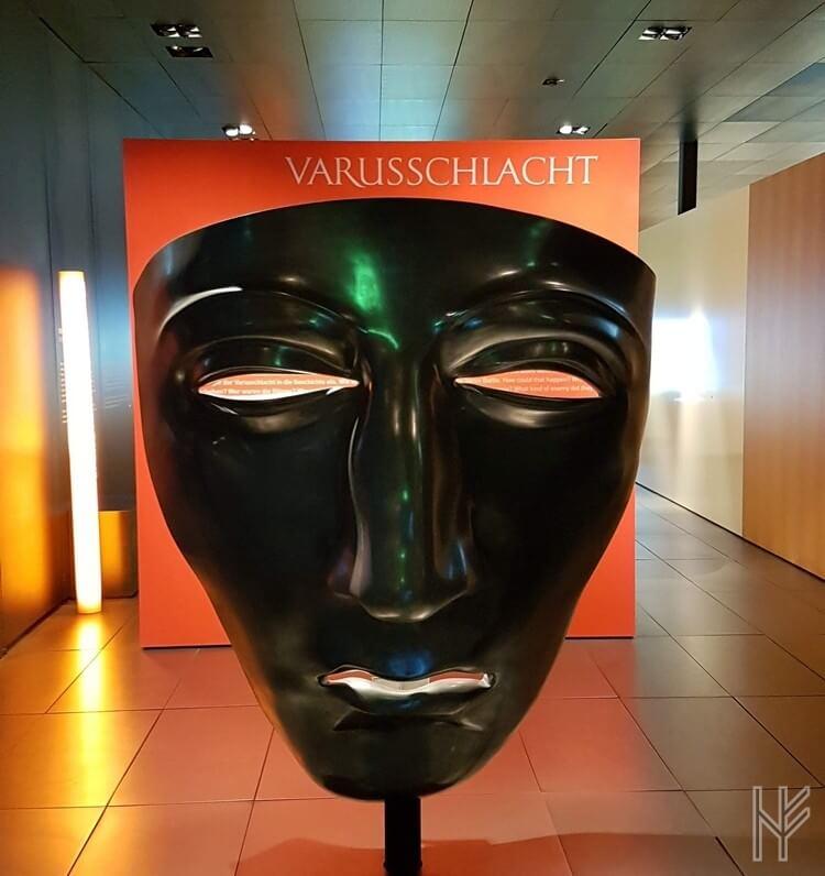Plastik der römischen Reitermaske