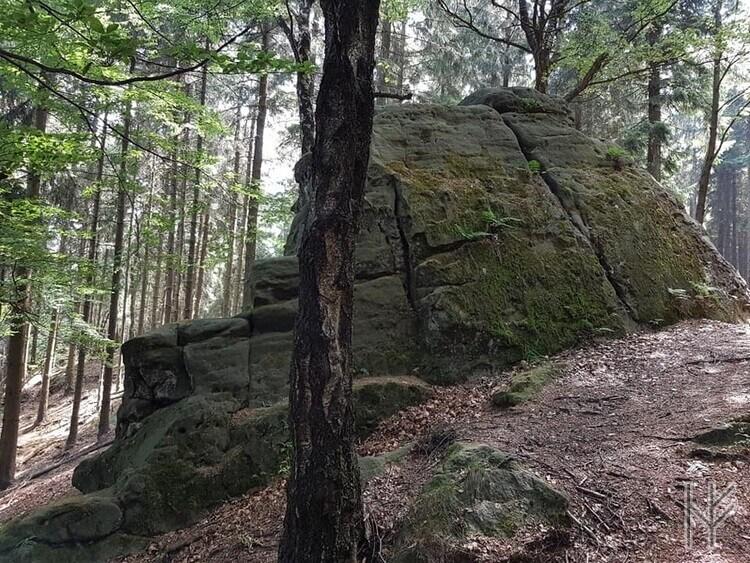 Sandsteinblock Fauler Jäger
