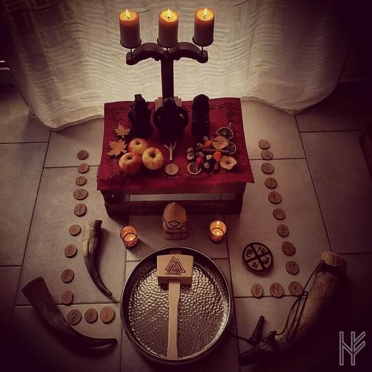 Haustblot Opfer-Altar