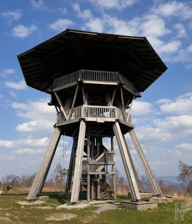 Der 17 Meter hohe Eggeturm auf der Preußischen Velmerstot